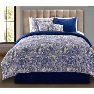Astoria Grand Gilbreath Reversible Comforter Set
